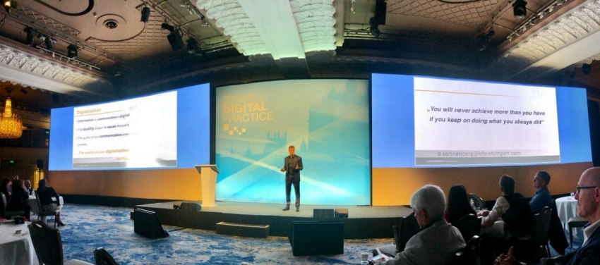 Dr. Boris Sonnenberg auf dem Invisalign Summit 2019 in London